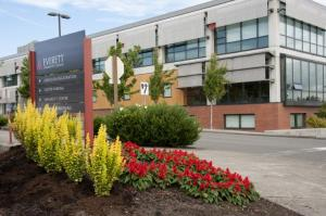 photo of evcc main campus entrance and whitehorse hall